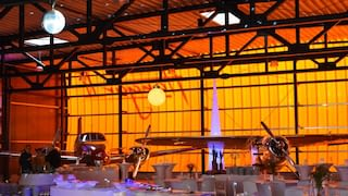 hangar 2 with historic airplanes
